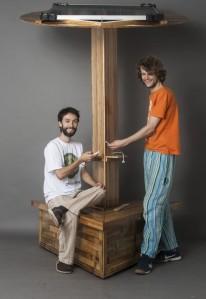 Nilson e Thalles, criadores do equipamento (Foto: Diego Castro, Estúdio Castro/reprodução)