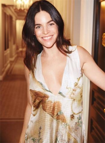 Julia Restoin Roitfeld para a campanha da coleção Conscious Exclusive, da H&M (Imagem: Uol/reprodução)